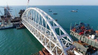 В конце 2018 года движение автомобилей по крымскому мосту будет запущено